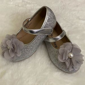 Little Girls Silver Flower Girl dressy shoes sz 7